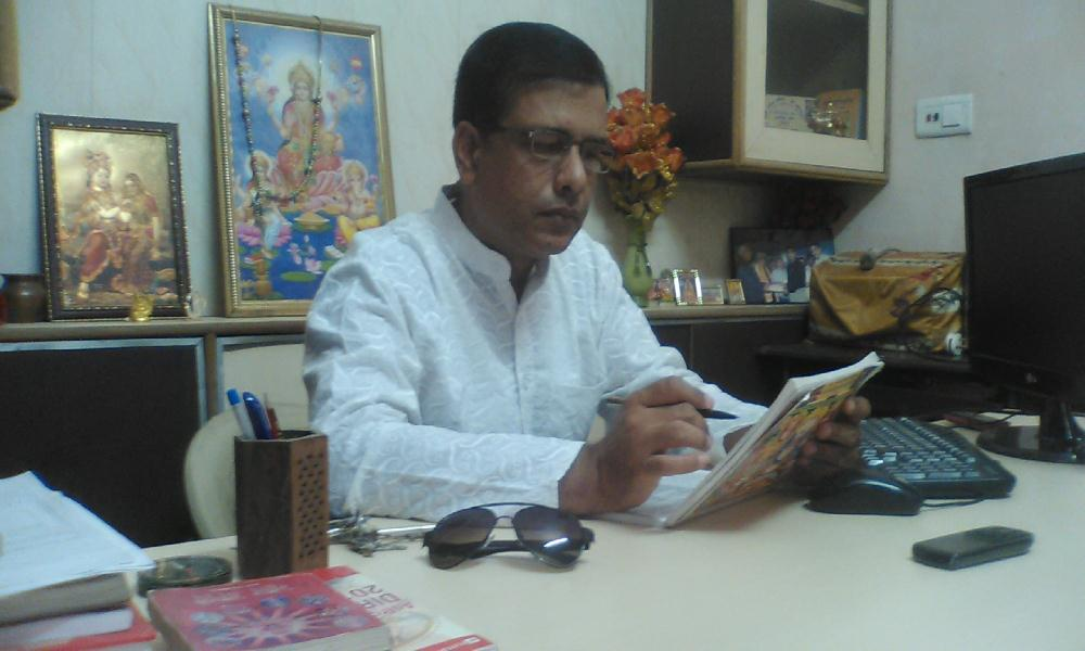 Astrologer Parkash Dutt in his Ludhiana office